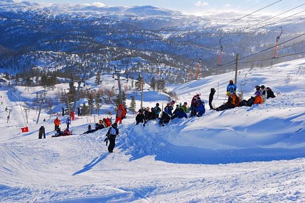 Bortelid-Camping-utsikt-fra-skibakken